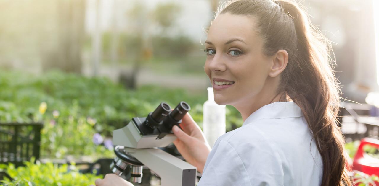 Was macht ein*e Agrarwissenschaftler*in?