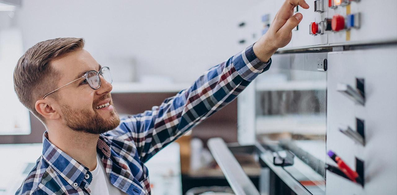 Was macht ein*e Installations- und Gebäudetechniker*in?